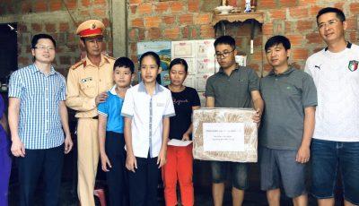 """Cộng đồng Nhà thông minh Lumi và chuyến cứu trợ đồng bào miền Trung: Khi """"nhận lại"""" nhiều hơn """"cho đi""""…"""