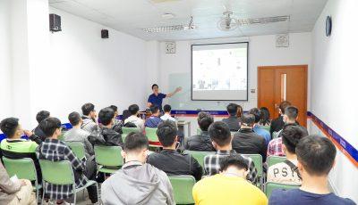 Đại diện Lumi Việt Nam gặp gỡ và chia sẻ về IoT cùng sinh viên khối ngành CNTT